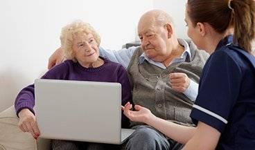 Cuidadoras de ancianos en Valencia